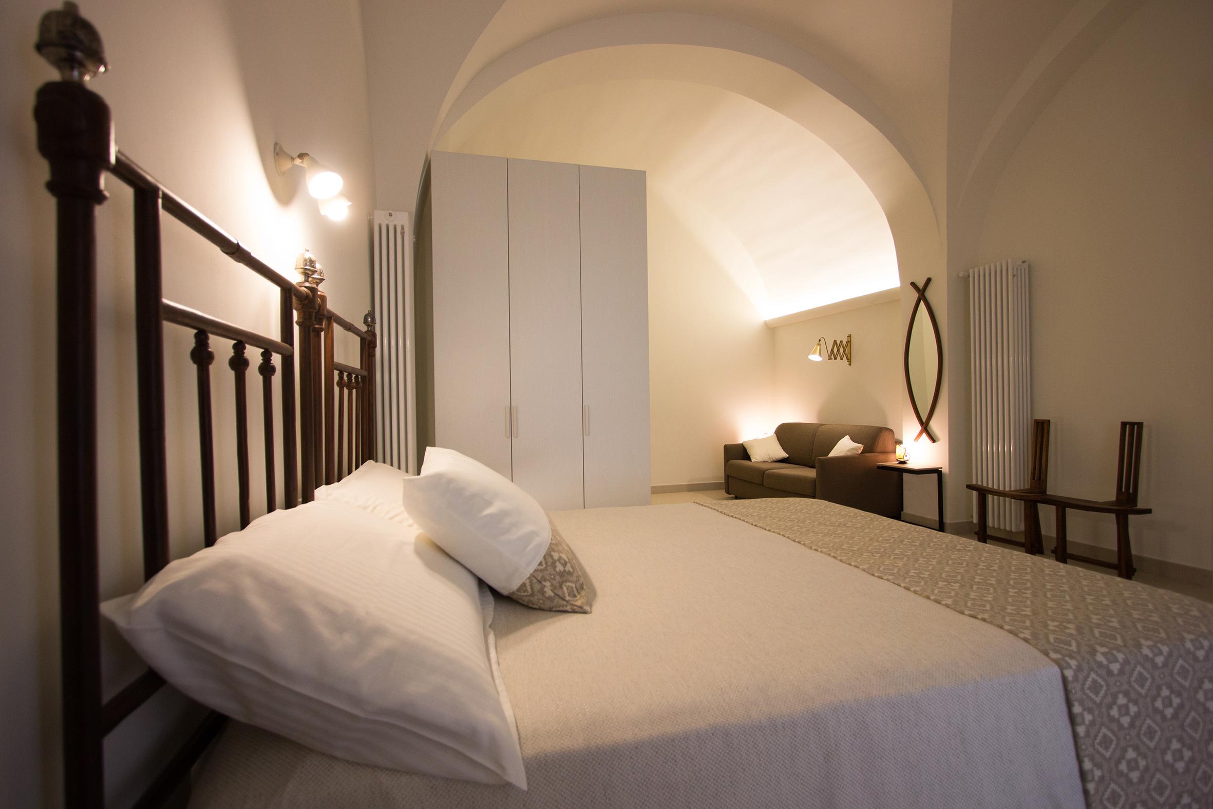 Camera da letto grande con bagno privato.